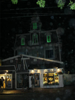 ptown_077greenlightinlansey.jpg